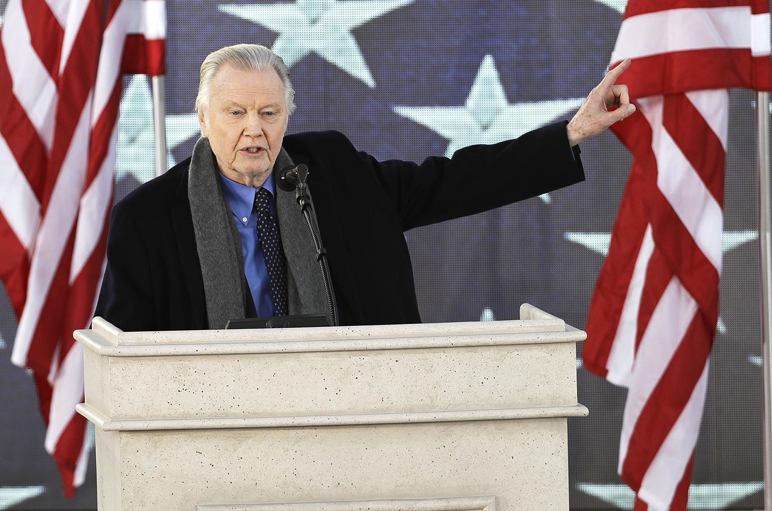 Inauguration 2017: Jon Voight Makes Speech at Donald Trump's 'Make America Great Again' Celebration | Billboard