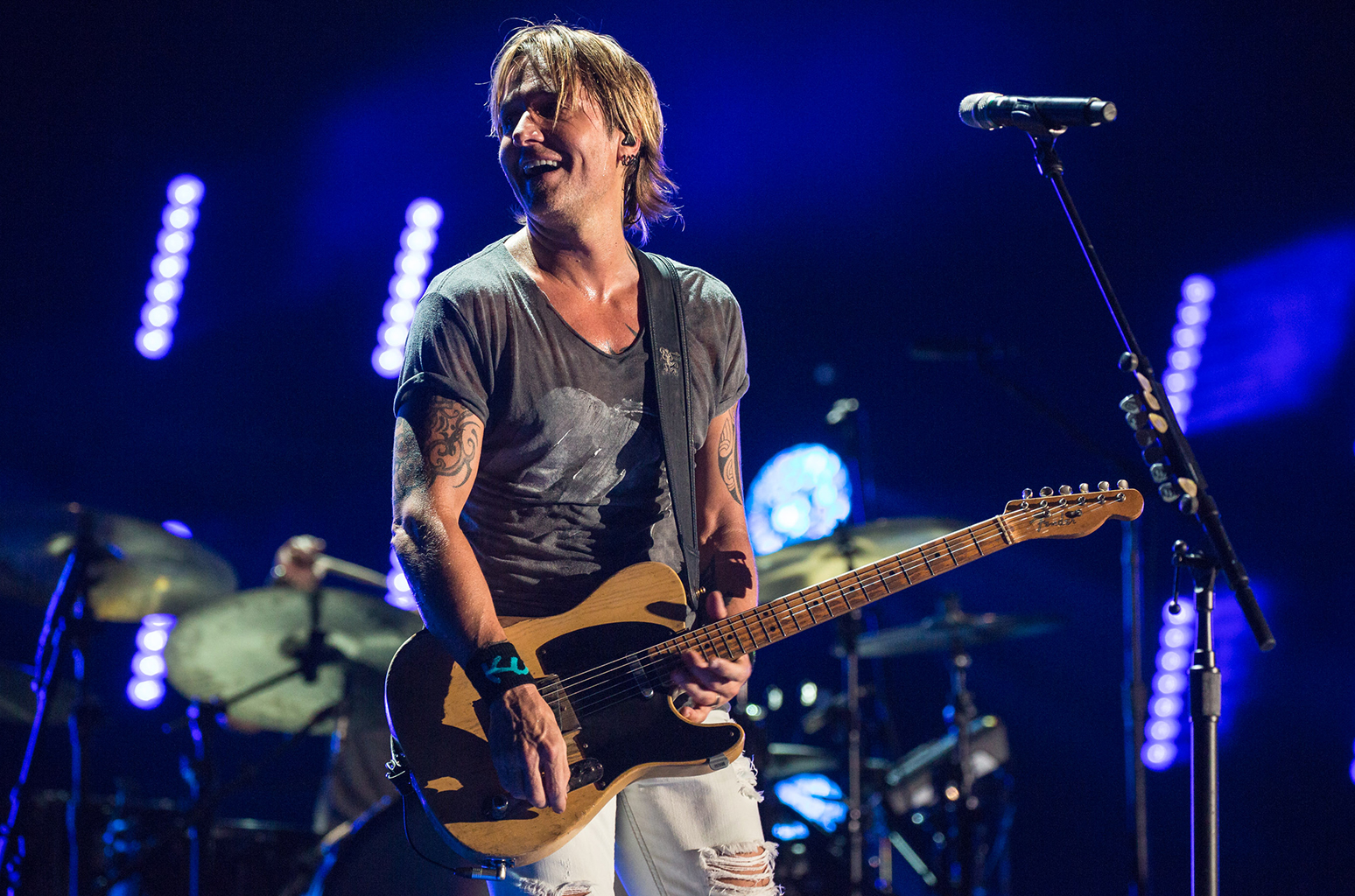 Keith Urban's 'Blue' Looks Good Atop Three Country Charts | Billboard