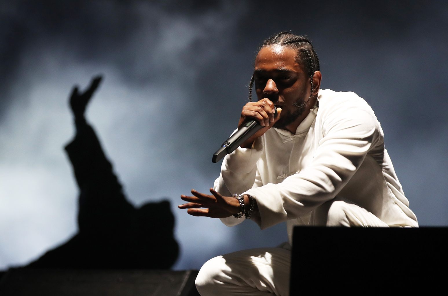Kendrick Lamar Heading for Third No. 1 Album on Billboard 200 With 'DAMN.' | Billboard