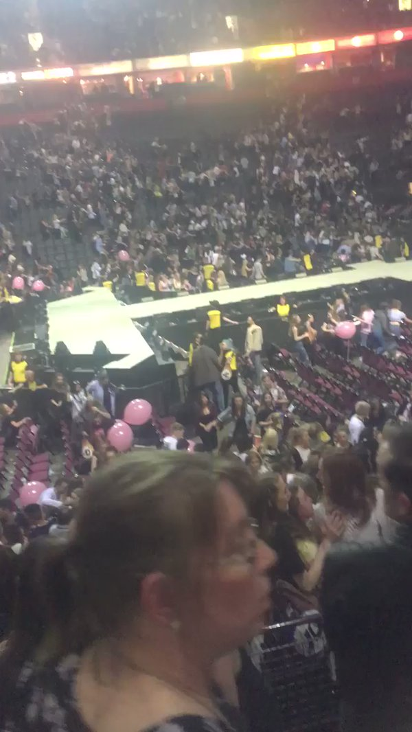 Fatalities after incident at Ariana Grande concert