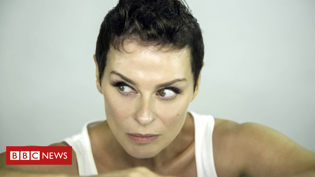 Lisa Stansfield: 'If people want me, I'll stick around' - BBC News