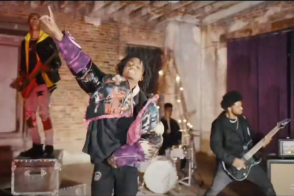 Unlocking the Truth Split, But Members Join Singer for Solo Video